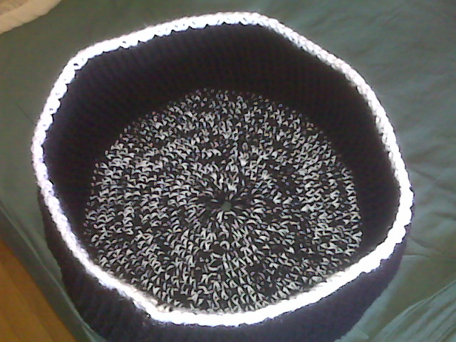 crochet black and white pet bed